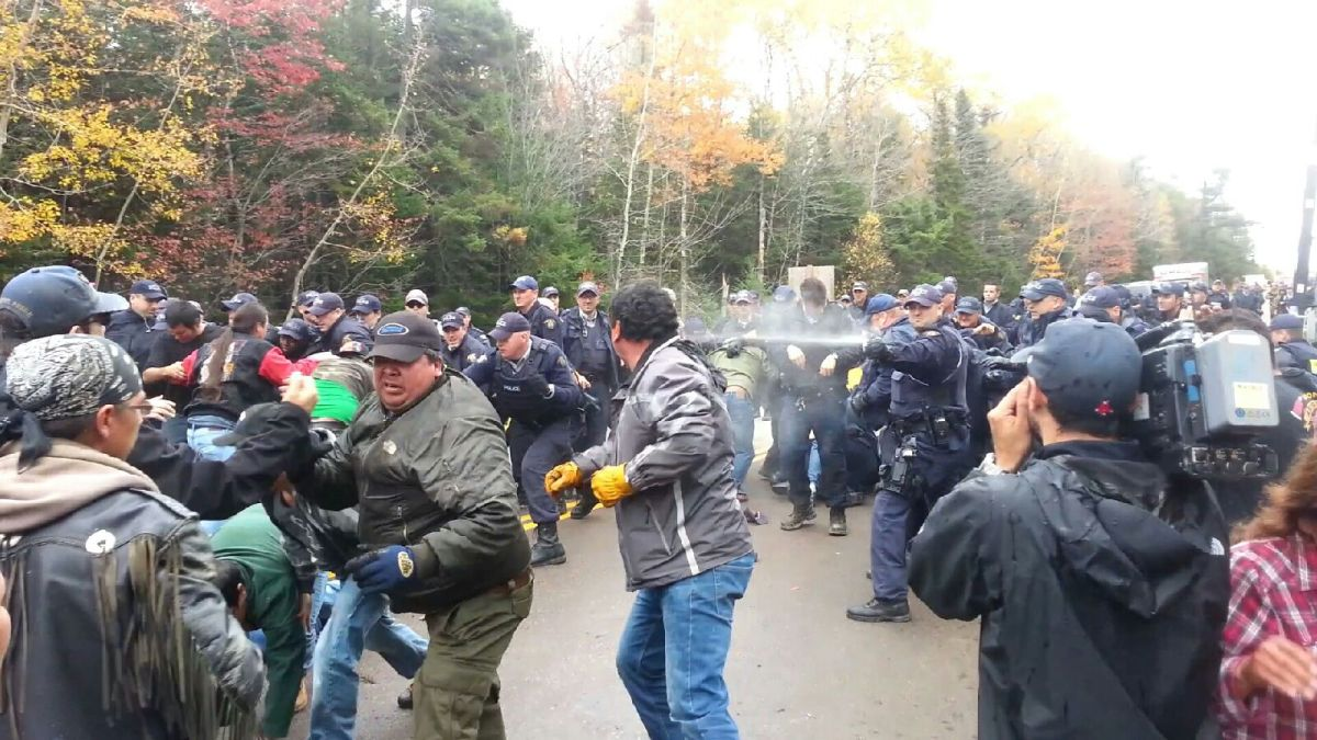 Activist Defense Tactics Against Police Pepper Spray Attacks