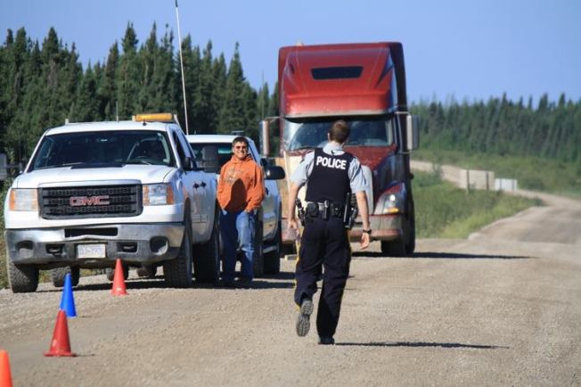 PR 280 Roadblock at Tataskweyak Cree Nation/Facebook