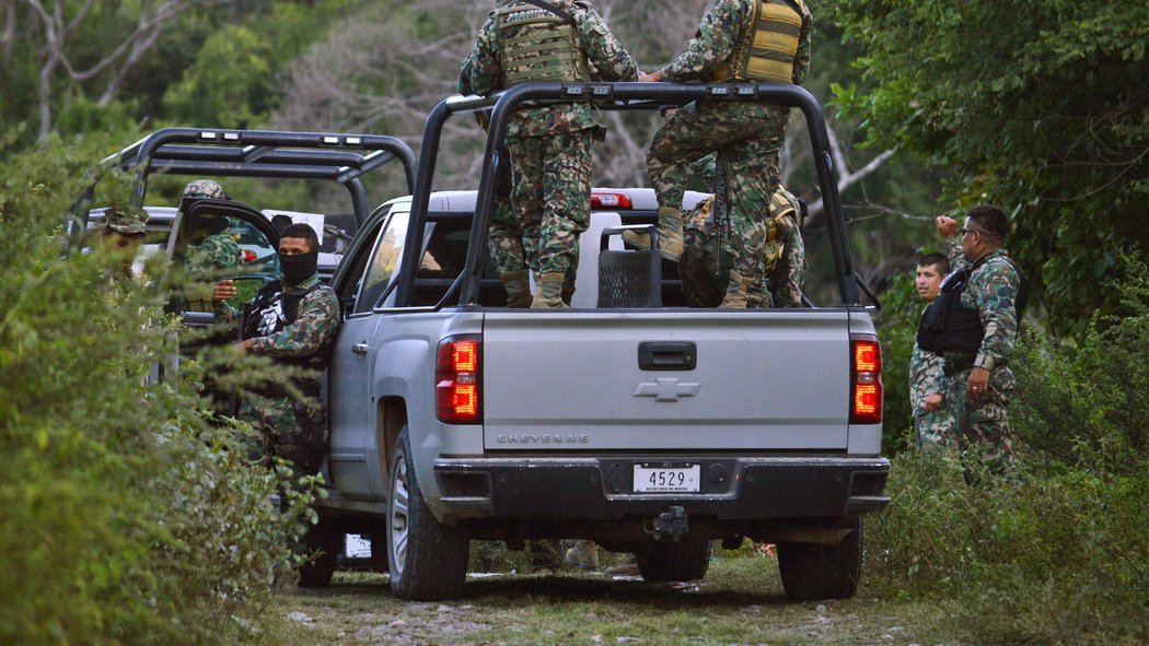 Suspects lead police to new mass graves in Mexico
