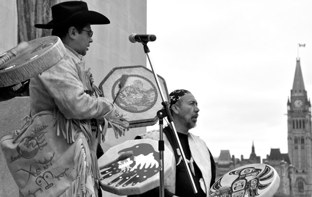 Chief Roger Williams (left) at the the Supreme Court of Canada (Photo: Pei-Ju Wang)