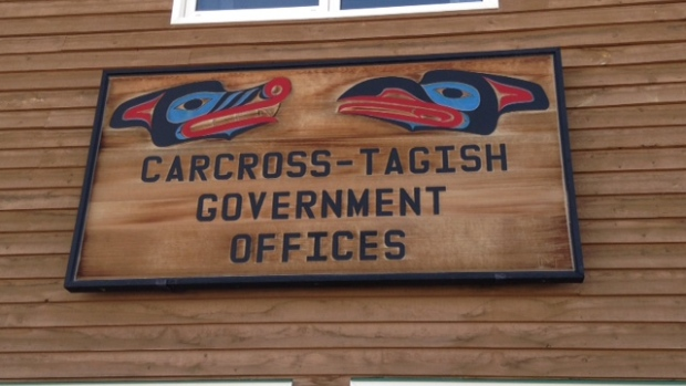 The main administration building of the Carcross Tagish First Nation was shut down Monday by protesters. (Karen McColl/CBC)
