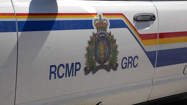 RCMP-logo-on-car