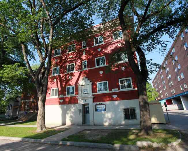 Apartment building at 485 Furby where a girl was held captive. See Mike MCIntyre's piece on human trafficking. June 10, 2015 - (Phil Hossack / Winnipeg Free Press)