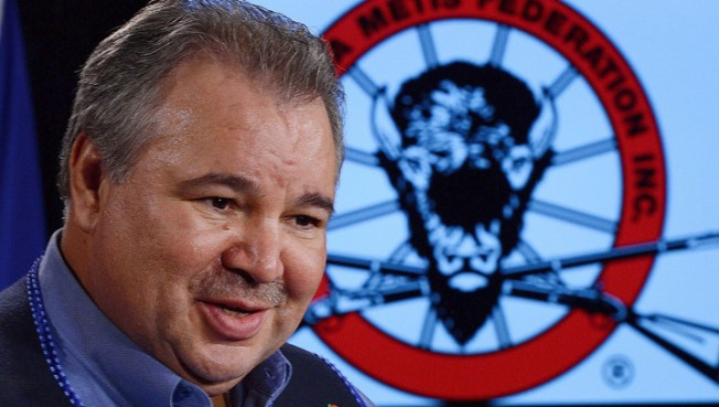 David Chartrand, president of the Manitoba Metis Federation, says his people are being left out of an apology for the '60s Scoop.