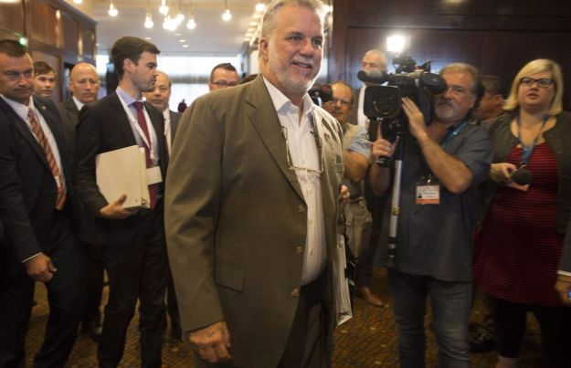 Prime Minister Philippe Couillard has declined the head-to-head Thursday proposed by the head of Innu Rodrigue Wapistan. Photo: Andrew Vaughan Canadian Press