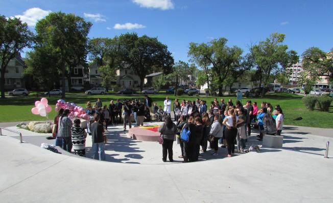 Dozens attend the Winnipeg vigil for Geraldine Beardy. (Photo: Red Power Media)