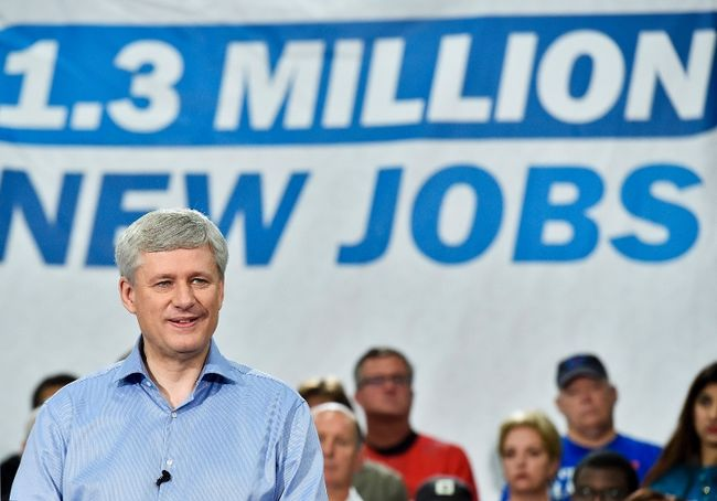 Conservative leader Stephen Harper speaks during a campaign stop at Global Systems Emissions Inc., in Whitby, Ont., on Oct. 6, 2015. (THE CANADIAN PRESS/Nathan Denette)