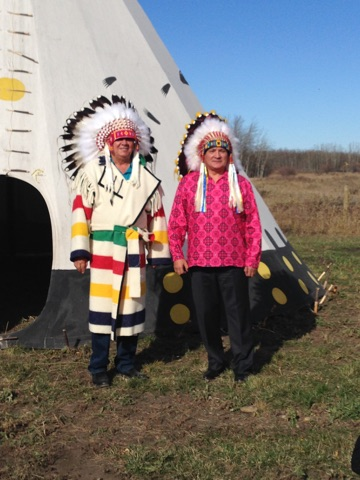 The Chiefs of the Mistawasis First Nation and Tsuu T'ina First Nation began a new relationship between their First Nations with the making of a new peace treaty. Photo provided by Daryl Watson.