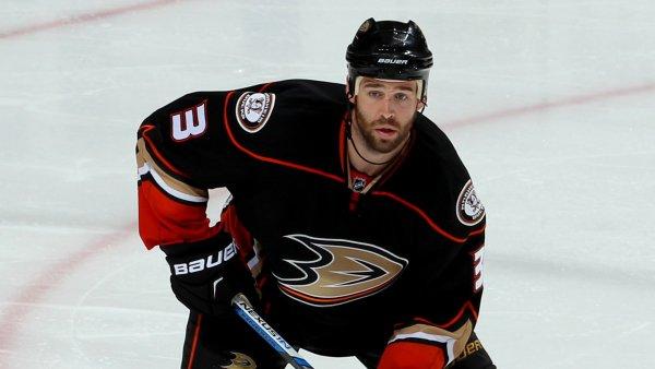 Anaheim ducks defenseman Clayton Stoner.