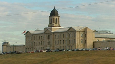 Canada's prison watchdog says that for the first time, aboriginal people make up more than a quarter of inmates in federal jails. (CBC)