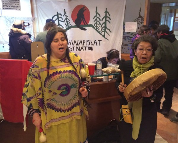 Activists for aboriginal rights at a sit-in at the Toronto offices of Indigenous and Northern Affairs Canada. The suicide crisis should not be forgotten. FRANK GUNN / The CANADIAN PRESS files