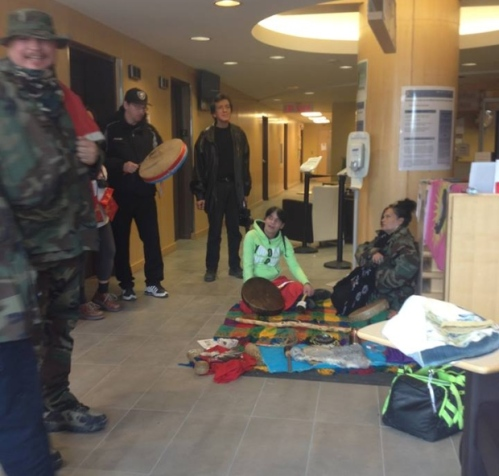 Protesters have set up inside the Indigenous and Northern Affairs office on Hargrave Street in downtown Winnipeg. (Raquel Lynn Lavallee/Facebook)