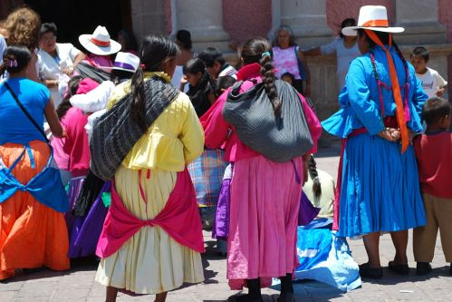 Otomi women in Tequisquiapan.