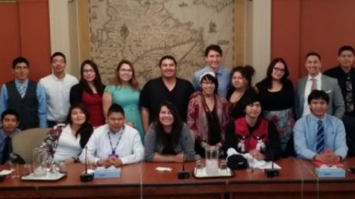 Prime Minister Justin Trudeau, centre, attends a meeting with some 20 youth from Nishnawbe Aski Nation (NAN) in northern Ontario on Monday. (Nishnawbe Aski Nation/Twitter)