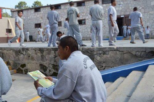 Indigenous inmates at Guachochi. JUÁREZ NOTICIAS
