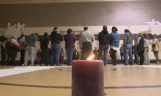 People came together in La Ronge, Sask. for a candlelight vigil in memory of three young girls. (Don Somers/CBC)