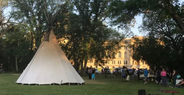 Sask. justice minister says he expects law to be enforced, legislature teepee to come down