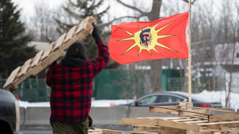 As Quebec rail blockades come down, supporters demand Indigenous rights be respected