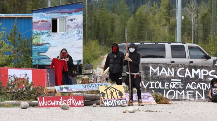 Chiefs urge Tiny House Warriors to end pipeline protest camp in B.C.'s central Interior